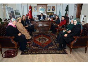 AK Kadınlardan Başkan Yazgı'ya Ziyaret