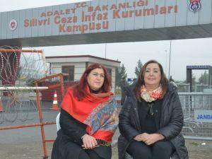 Umut nöbetini Yaşar Seyman ve Ferihan Karasu devraldı