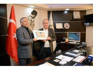 """Saffet Acar'a Türk Ocaklarından """"Şeref Üyesi Belgesi"""""""