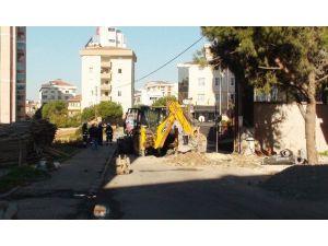 Patlayan Doğalgaz Borusu Mahalleliyi Sokağa Döktü