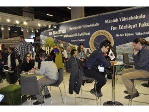 Haliç Üniversitesi Educaturk'te Öğrencilerle Bir Araya Geldi