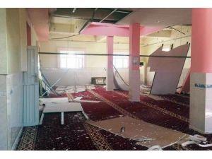 Teröristler Camiyi Tahrip Edip, PKK Propagandası Yaptılar