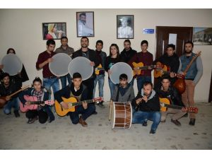 Beşiktaş Belediyesi'nden Hakkari'ye 56 adet müzik aleti gönderdi