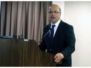 İÜ Rektörü Prof. Dr. Çelik: Hizipçi, grupçu kafayla hizmet edemezsiniz