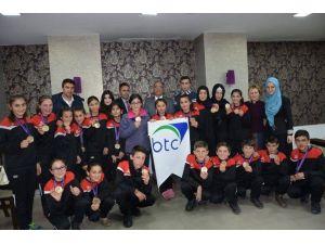 Senkronize Buz Pateni Novice B Kategorisi Türkiye Şampiyonu Aşkale Belediye Spor