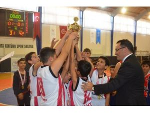 Okullar Arası Basketbol Müsabakalarında Kahta'nın İki Takımı Bölgede İli Temsil Edecek