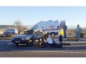 Takla Atan Aracın Sürücüsü Hayatını Kaybetti
