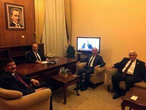 Belediye Başkanı Kara, Bakan Işık'ı Ziyaret Etti