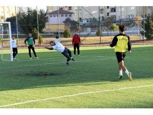 Aliağa, Bornova Belediye Spor Maçına Hazırlanıyor