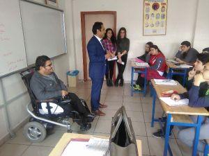 Bedensel Engelliler Dernek Başkanı Engellilerin Sorunlarını Öğrencilere Anlattı