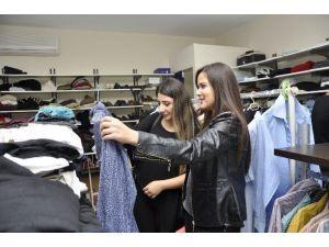 MEÜ Giysibank'ta Satılan Her Ürün Karşılıksız Bursa Dönüşüyor