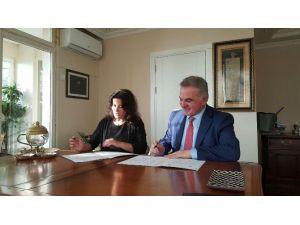 SAÜ İle Geleceğin Eğitim Derneği Arasında İşbirliği Protokolü İmzalandı