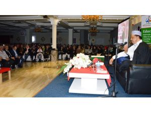 Hollanda'da kutlu doğum programında salon doldu taştı