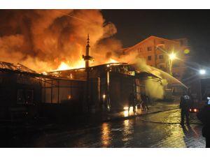 Ankara İtfaiyesi: Pazar yangını, elektrik kontağından çıktı