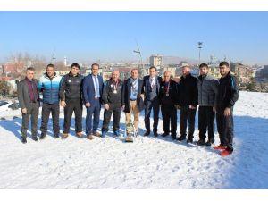 Erzurum Güreş Takımı İkincilik Kupasının Sahibi Oldu