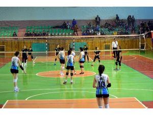 Nevşehir'de Okullararası Kızlar Voleybol Şampiyonası Sona Erdi