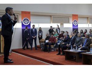 ARÜ'de Dış Politika Ve Küresel Gelişmeler Ele Alındı