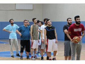 AÜ İletişim Fakültesi basketbol turnuvasına hazırlanıyor