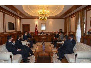 Federasyon Başkanları Vali Kamçı'yı Ziyaret Etti