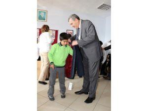 İbrahim Çeçen Vakfı'ndan İhtiyaç Sahibi Öğrencilere Yardım