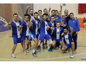 UÜ Erkek Voleybol Takımı 1. Lig'de