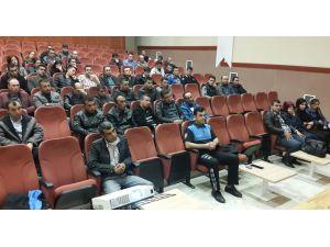 Özel güvenlik görevlilerine telefon dolandırıcılığı semineri verildi