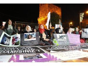 HDP'li Kadınlar Barış İçin Oturma Eylemi Yaptı