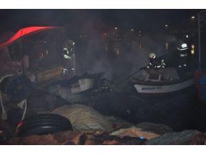 Balıkçı Teknesi Alev Alev Yandı