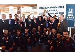 Sekmen İle Büyükşehir Süper Lig'de İkinci Oldu