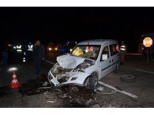 Kahramanmaraş'ta Tır İle Kamyonet Çarpıştı: 2 Yaralı