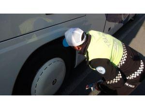 Kış lastiği takmayan sürücüler 1 Ocak'ta 602 lira ceza ödeyecek