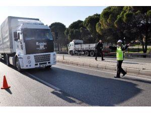 Kar Lastiği Takmadan İzmir Dışına Çıkan Sürücüye Ceza