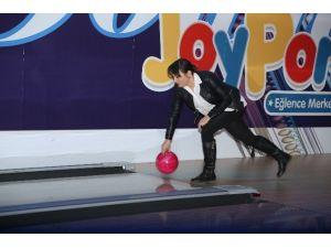 Gazetecilerin Bowling Keyfi