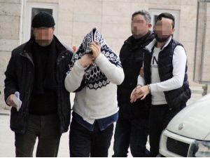 İstanbul'dan Getirdikleri Uyuşturucuyu Satmak İsterken Yakalandılar