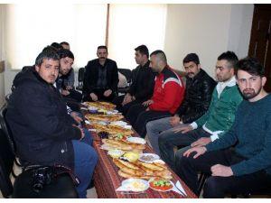 Erzurum Ülkü Ocakları Yönetimi Basın İle Kahvaltıda Buluştu