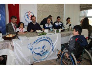 Engelli Yüzücüler Manisa'nın Gururu Oldular