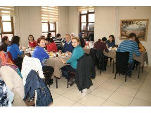 Devrek Gazi Ortaokulu'ndan Kahvaltı Kermesi