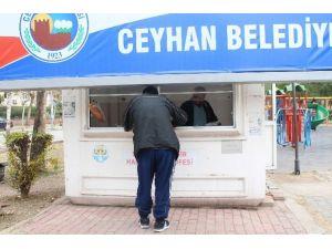 Ceyhan'da Kafa Yaran Tabela!