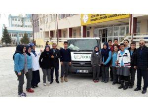 Sağlık Öğrencilerden Bayır-bucak Türkmenlerine Yardım