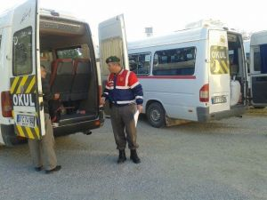 Jandarma'dan Okul Servis Araçlarına Kontrol