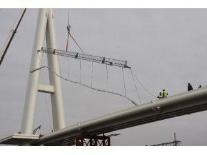 Yeni Valilik Köprüsü'nde Halatlar Çekilmeye Başladı