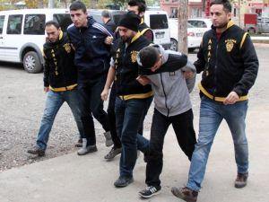 İnşaat Deposundan Malzeme Çalan Hırsızlar Yakalandı