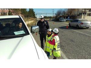Öğrencilere Uygulamalı Trafik Eğitimi Verildi