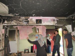 Uşak'ta Evleri Yanan Vatandaşlara Belediye Desteği