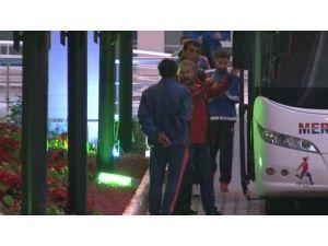Mersin İdmanyurdu'nda ikna edilen futbolcular Bursa'ya gitti