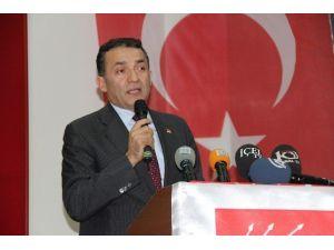 Mersin CHP'de Özyiğit Yeniden İl Başkanı Seçildi