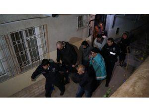 Başkent'te yaşlı çift evlerinde ölü bulundu