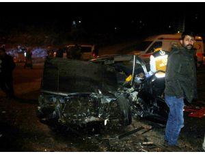 2 Otomobil Kafa Kafaya Çarpıştı: 5 Yaralı