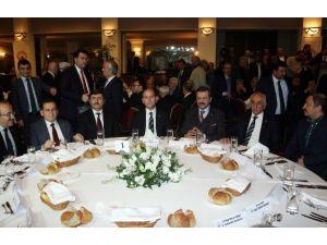 Trabzon'da Ekonominin Yıldızları Plaket Töreninde Asgari Ücret Konuşuldu
