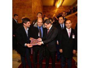 Başbakan Davutoğlu'ndan Podef'e Destek